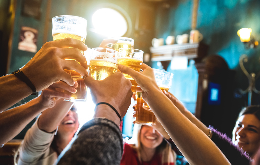 Light And Dark: 4 Common Myths About Beer